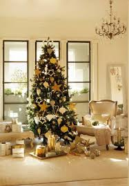 Lovely Christmas Tree Decorating Ideas With Gold and Silver Ornaments