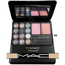 mac make up kit eyeshadow and face blush on