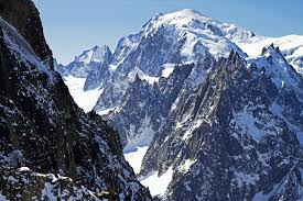 montblanc stephensmith getty 2 56db0e6f3df78c5ba0435ec2 mont blanc highest mountain in western europe from round table pizza mt shasta