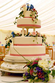 Expensive Wedding Cakes For The Ceremony Big Fancy Wedding Cakes