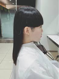 ワンレングス刈り上げレディース黒髪ツヤ髪トリートメント