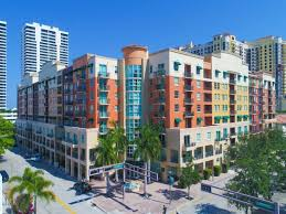 prado in downtown palm beach split floorplan with double masters and walk in closets open kitchen with brand new cabinets granite countertop