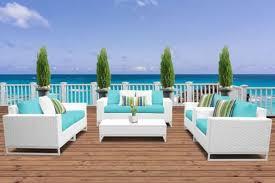 white wicker patio furniture for