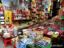 29 Tết Vẫn Chưa Có Khay Bánh Kẹo Đãi Khách Ưng Bụng, Lượn Một Vòng Phố Này Ở  Hà Nội Chỉ 10 Phút Là Bạn Mua Đủ