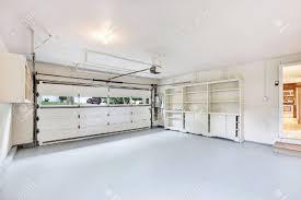garage interior. Empty Garage Interior In American House. Northwest, USA Stock Photo - 61133193 X