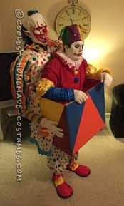 scary clown carrying a jack in the box illusion costume 2017