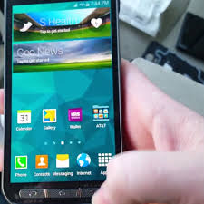 Samsung Galaxy S5 Active makes early ...