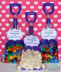 Valentines office ideas Losangeleseventplanning Secret Pal Office Friend Gifts Would Make Cute Birthday Party Favor Pinterest Secret Pal Office Friend Gifts For Valentines Day Party Ideas