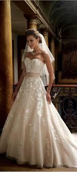 Brautkleid Mit Schleife Farbig Hochzeit Kleider Pinterest