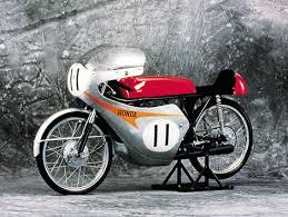 masih menyambung dengan artikel sebelumnya disini dari catatan yang ada bahwa antara tahun 1962 hingga tahun 1965 honda telah membuat empat 4 mesin balap