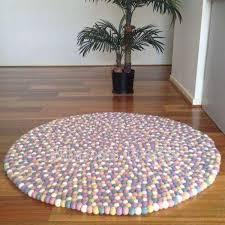 round coloured rug