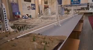 Студент сделал макет моста через Токтогулку Стоимость проекта  Студент сделал макет моста через Токтогулку Стоимость проекта 3 млрд