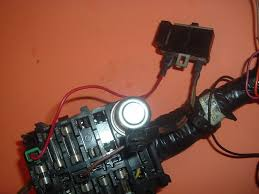 lps terminal of fuse block com also does anyone know what that black box is