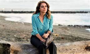 A mano disarmata di Claudio Bonivento con Claudia Gerini, il film su  Federica Angeli, in sala dal 6 Giugno - Taxidrivers.it