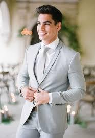 Groom Light Grey Suit 12 Summer Wedding Suit Ideas For Grooms In 2020 Grey Suit