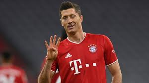 Latest robert lewandowski news including goals, stats and injury updates for bayern munich and poland striker plus transfer links and more here. Robert Lewandowski Four Goal Haul Inspires Bayern Munich European Round Up Football News Sky Sports