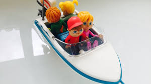 motorized toy boat alvin and the chipmunks bathtub swimming