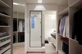imagem 13 closet e banheiro