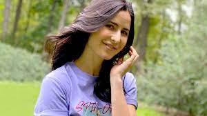Katrina Kaif picked a purple T-shirt + ...