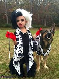 how to make a dalmatian costume and her terrified dalmatian homema costume dalmatian dog costume diy