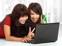 Risultati immagini per belle donne sul web