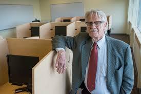 UAA names economics lab after Nobel laureate Vernon Smith - Alaska Public  Media