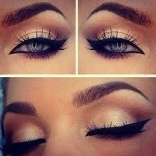 or like this all around the eye with extended corner to make look more catlike do
