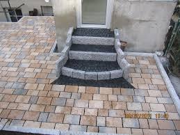 Druckfestigkeit und die geringe wasseraufnahme machen die platten zu einem äußerst wiederstandsfähigen und dauerhaft frostbeständigen bodenbelag. Blg Bolkart Garten Und Landschaftsbau Treppen