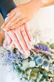 あえてブライダルっぽくないネイルがおしゃれ結婚式の