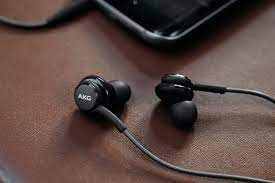 Tai nghe AKG Samsung Galaxy S8 chính hãng – LINHPHUKIEN.VN