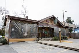 neighborhoods east nashville eat and drink village pub beer garden