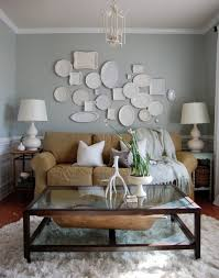 how to arrange a decorative plate wall