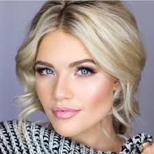 pearlescent tones tend to look best on fair skin while peach or gold pearlescent tones tend to look best on fair skin while peach or gold