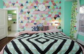 bedroom wall decor for teenagers. Teenage Bedroom Ideas With Wall Mural Plus Awesome Quilt Decor For Teenagers