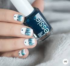 16 Winter Nail Art Ideas — Designs for New Year's and Holiday Nails