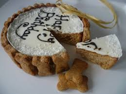 Dog birthday cake for dogs to eat ~ Dog birthday cake for dogs to eat ~ Personalised dog birthday cake by doggie patisserie