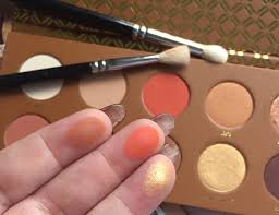 zoeva caramel melange dupe. despite the palette being named caramel melange there are only a couple of shades that could be described as caramel, rest mix lighter zoeva dupe p