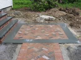 Canal St. Brick with Bluestone Border