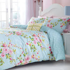 this modern polka dot reversible bed linen set combines the softness of cotton and the strength and durability of polyester this easy care duvet cover can