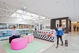 Airbnb insane sf office Spaces An Living Roomlike Office Designboom Airbnbs 170000 Sqft Headquarters In San Francisco