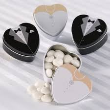 mint tins and pails wedding favour wedding favors singapore Wedding Favors Mint Tins bride and groom wedding favor mint tins singpore personalized mint tins wedding favors