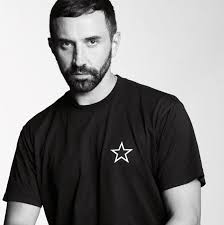 Creative Riccardo Appointed Tisci Officer Chief Da Man Of Burberry wqpAtq