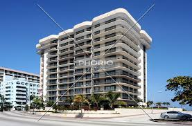 This residential community was built in year (1994) and currently offering. Champlain Towers South In Surfside Hochhaus