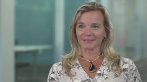 Prof. Wendy Pearson (horse physiology) - YouTube