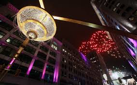 cleveland christens world s largest chandelier in playhouse square photos cleveland com
