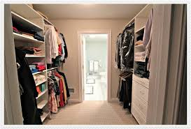 Master Bathroom With Walk In Closet Design