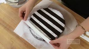 Super Quick Video Tips Easiest Ways To Decorate A Cake With Powdered Sugar