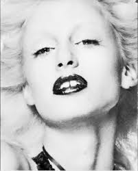 Dubbed the Disco Marilyn, 70′s icon, model and muse Donna Jordan has such a modern look and style. I am currently in love with her bleach blond, red lipped, ... - Picture%2B35