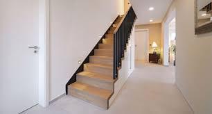 Setzstufen, wangen, geländerstäbe und pfosten weiß lackiert. Treppe Gelander Stufen Treppenbauer Holz Design In Dreieich