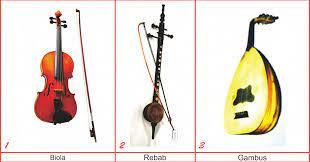 Alat musik jawa barat yang selanjutnya yaitu tarawangsa, memiliki bentuk yang hampir mirip dengan biola, yang mana alat musik ini hanya memiliki 2 dawai atau senar. 7 Alat Musik Tradisional Kepulauan Riau Lengkap Gambar Dan Penjelasannya Seni Budayaku